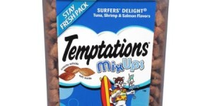 Temptations MixUps Surfer's Delight Tuna/Shrimp/Salmon Flavors Treats for Cats 16 oz. Container