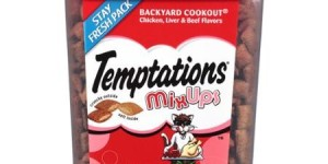 Temptations MixUps Backyard Cookout Chicken/Liver & Beef Flavors Treats for Cats 16 oz. Container