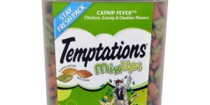 Temptations® MixUps Catnip Fever™ Cat Treats 16-Ounce Tub